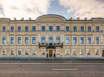 Трехэтажный клубный дом Особняк Кушелева-Безбородко